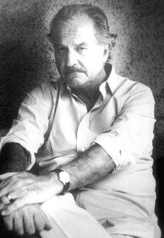 """Carlos Fuentes, aventura de la libertad  Carlos Fuentes, aventura de la libertad  """"Es una gran tradición mexicana reconocer a sus escritores como héroes culturales porque en México, a diferencia de otros lugares, sí existe la idea de que el escritor es un agente cultural de transformaciones, que abre espacios y horizontes de futuro. Cuando se celebra a un escritor no solamente su memoria y su pasado, sino la actualidad de su lectura. En el caso de Fuentes eso me parece fundamental""""."""