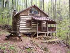 Cabin in the woods Small Log Cabin, Tiny House Cabin, Little Cabin, Log Cabin Homes, Log Cabins, Bungalow, Cabin In The Woods, Hunting Cabin, Rustic Bathroom Decor