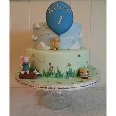 Classic Winnie the Pooh - Cake by Bobbie-Anne Wright