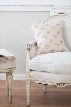 sweet floral print pillow fabric on a nice neutral linen chair