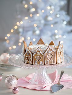Suklainen Piparkakku-juustokakku (liivatteeton) Pink Christmas Decorations, Christmas Greenery, Christmas Fireplace, Christmas Tablescapes, Christmas Desserts, Christmas Treats, Real Christmas Tree, Noel Christmas, Xmas Food