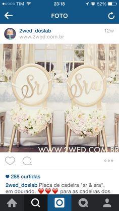 Cadeiras decoradas pro noivado ou chá bar