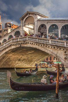 Bridge, Rialto, Venice, ITALY