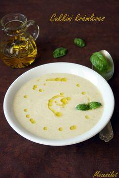 Készíts cukkini krémlevest friss zöldségekből! Üdítő és könnyű vacsora. Hummus, Soups, Ethnic Recipes, Food, Recipies, Essen, Soup, Meals, Yemek