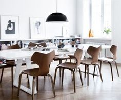 Designing a dining area in a modern style isn't very hard thing to do nowadays. Using white or concrete walls is an easy way to show your appreciation for modernism. Here are some interesting design ideas to inspire a modern dining area.