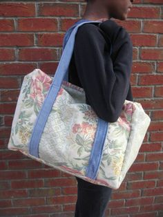 Large, Vintage style, weekend (overnight), tapesry bag, oversize £25.00