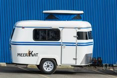 With a queen size bed, the Meerkat travel trailer can sleep 2 and fits in a standard-sized garage. Tiny Trailers, Small Trailer, Travel Trailers For Sale, Vintage Trailers, Camper Trailers, Vintage Campers, Vintage Rv, Vintage Caravans, Vintage Travel