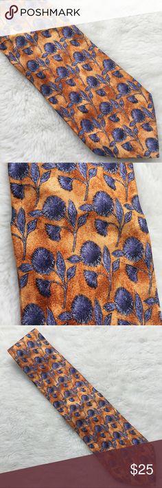 Ermenegildo Zegna Men's Silk Floral Tie Preowned authentic Ermenegildo Zegna Men's Silk Floral Tie. Please look at pictures for better reference. Happy shopping! Ermenegildo Zegna Accessories Ties