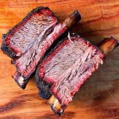 Beef shorties hit with barbecue mafia the mafia trilogy Steakout and cherry smoke. Smoked Beef Ribs Recipe, Ribs Recipe Oven, Bbq Rub Recipe, Beef Chuck Short Ribs, Smoked Beef Short Ribs, Smoked Pork, Rib Recipes, Grilling Recipes, Grilling Ideas