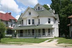 c. 1880 Queen Anne in Frankfort, IN - $122,500 - Old House Dreams