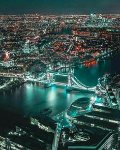 Amazing destinations to travel London England London Street, London City, London Skyline, London Bridge, London Night, London Pictures, Night City, City Lights At Night, Belle Photo