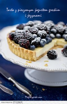 Baked tart Greek yogurt and fruits of the forest Love Eat, Love Food, Polish Desserts, Cake Recipes, Dessert Recipes, Bread Cake, Yummy Cakes, My Favorite Food, Baked Goods