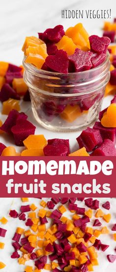Healthy Homemade Fruit Snacks (with veggies!) - Dessert for Two Healthy homemade fruit snacks! Healthy fruit and veggie snacks for kids after school snack ideas. Lunch box ideas with hidden veggies. Grass fed gelatin fruit snacks for kids. Healthy Low Calorie Snacks, Healthy School Snacks, Good Healthy Snacks, Lunch Snacks, Healthy Fruits, Easy Snacks, Snacks For After School, Fruit Snacks Homemade, Healthy Fruit Desserts