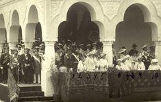 Vizita la Constanţa a familiei imperiale ruse, iunie 1914. Rândul din faţă : Nicky, Mărioara, Maria Nicolaevna, Anastasia Nicolaevna, Ţareviciul Alexei, Tatiana Nicolaevna şi Olga Nicolaevna.