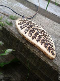 Купить Деревянный кулон, рябина - деревянный кулон, деревянное украшение, деревянная подвеска, украшение из дерева