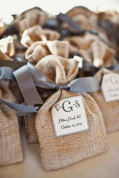 Rustic Wedding Favors Mason Jars | Easy Tips to Plan a Rustic-Inspired Country Wedding |
