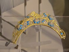 Gold tiara with turquoises
