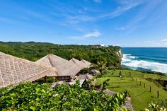 Ten fully serviced cliff front luxury villas in Bali's premier surf destination at Uluwatu. Bali Retreat, Visiting Nyc, Jimbaran, Ubud, The Good Place, Places To Go, Surfing, Tours, Villas