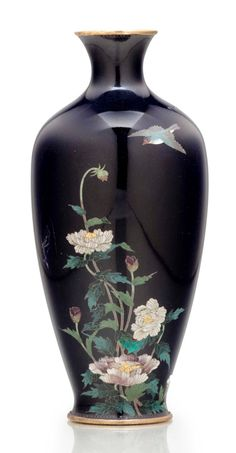 A cloisonné enamel vase Meiji period (late century), signed Kin'unken zo The baluster form with a short flared neck, decorated in polychrome enamels and silver wires with a branch of blossoming peony and a flying bird high Japanese Vase, Japanese Porcelain, Porcelain Jewelry, Porcelain Vase, Fine Porcelain, Painted Porcelain, Asian Vases, Painted Vases, Metal Vase