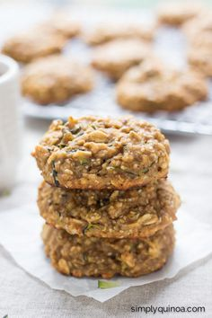 These delicious quinoa breakfast cookies taste like zucchini bread, and have a healthy base of peanut butter, banana, honey, oats and quinoa flakes!
