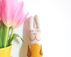 spring's around..  von Nora auf Etsy