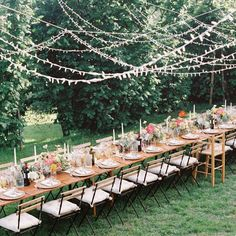 Canopies of string lights at weddings are taking over Instagram by storm and it's no wonder why it's such a beloved lighting style. We're so inspired by this wedding lighting trend that we're convinced everyone should have one of these installations in their patios this summer. #twinklelightsdecor #fairylightsdecor #weddinglighting Twinkle Lights Decor, String Lights, Wedding Reception Lighting, Wedding Reception Decorations, Wedding Tables, Reception Ideas, Wedding Set Up, Light Wedding, Wedding Ideas