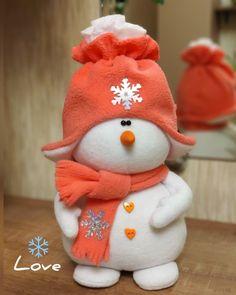 Sock Snowman Craft, Cute Snowman, Snowman Crafts, Christmas Snowman, Christmas Crafts, Christmas Ornaments, Snowmen, Christmas Party Decorations Diy, Pig Wallpaper