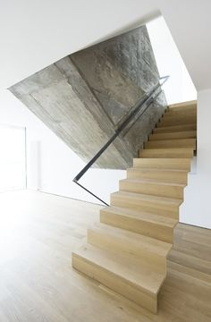 WUDA* WURFBAUM DANTAS ARCHITECTS, Green Flat, stair, raw concrete, exposed concrete, wood, wood staircase, railing, black, entanglement, light