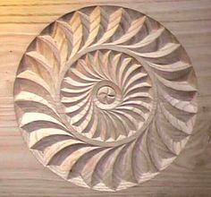 geo circle Wood Carving Patterns, Carving Designs, Dremel Wood Carving, Chip Carving, Wooden Crafts, Animal Jewelry, Wood Sculpture, Wood Doors, Pyrography