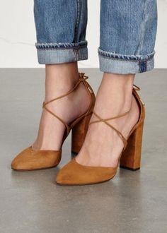 zapatos de color camel tacon