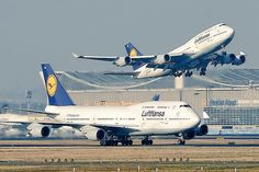 A Pair of #Lufthansas B747's #Boeing  , awesome shot