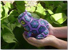 Ravelry: African Flower - Tzarevna (she)Frog species pattern by nnattalli m.