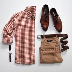 visit our website for the latest men's fashion trends products and tips . Wardrobe Systems, Men's Wardrobe, Capsule Wardrobe, Trajes Business Casual, Business Casual Men, Men Casual, Casual Chic, Stylish Men, Stylish Outfits