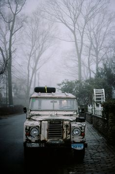 LAND-ROVER (UK)