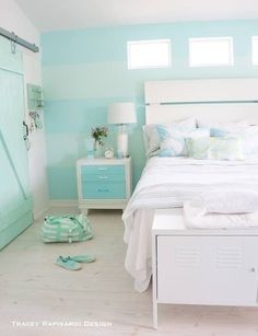 Casual Turquoise and white beachy bedroom