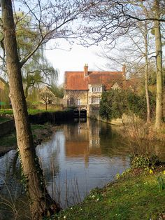 House on the River Cherwell, Oxford, England
