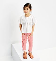 Afbeelding 1 van Wijde blouse met broderie van Zara