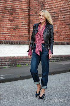 Ungezwungenes ü40 Sonntags Outfit: meine neuen Lieblingsteile für den Herbst von Zara und Mango  Vintage Straight Samurai Jeans und schwarze Kitten Heels von Zara und eine rote Bluse mit Schluppe von Mango