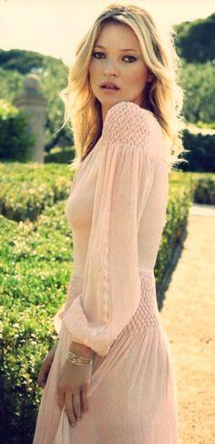 Kate Moss - Je ne l'ai jamais trouvée particulièrement jolie, mais j'aime beaucoup son style.