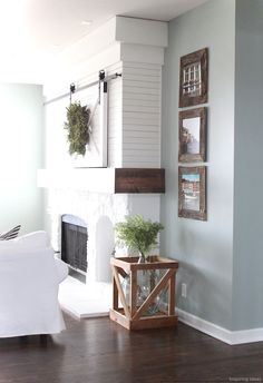 Gorgeous 49 Interesting Modern Farmhouse Living Room Ideas https://lovelyving.com/2017/11/03/49-interesting-modern-farmhouse-living-room-ideas/