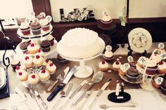 Desserts for 6th July 2013: Real Wedding: Melody  Ericson's Vintage Seminary Wedding