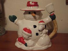 Lenox Snoopy Christmas Teapot 2004