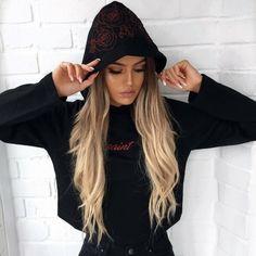 Long and light blond ombrè hair Cabelo Ombre Hair, Foto Casual, Ombré Hair, Girl Hair, Gorgeous Hair, Look Cool, Streetwear Fashion, Hair Goals, Hair Inspiration