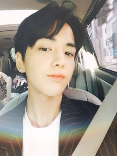 Younghoon The Boyz Most Handsome Men, Handsome Boys, Kpop Aesthetic, Aesthetic Fashion, Fandom, Taehyung, Korean Birthday, Kim Young, Bae