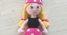 Patrón gratuito para realizar una muñequita disfrazada de Minnie Mouse a crochet.