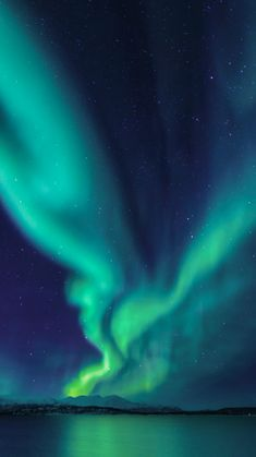 Aurora Borealis Lights Up the Sky (Northern Lights) Shower Curtain by StayWild -. - What is the Aurora Borealis? Northern Lights Wallpaper, Lit Wallpaper, See The Northern Lights, Northern Lights Sweden, Northern Lights Canada, Borealis Lights, Light Photography, Scenic Photography, Photography Tips