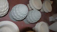 Pigne in pietra - http://achillegrassi.dev.telemar.net/project/pigne-pietra-2/ - Pignain Pietra grigia di Vicenzalevigata Dimensioni: – 25cmx 25cm x 37cm
