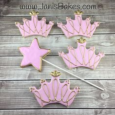 Pink and Gold Cookies Princess Crowns Crown Cookies, Crown Cake, Princess Theme Party, Princess Birthday, Sunflower Cookies, Iced Cookies, Sugar Cookies, Sugar Cookie Royal Icing, Cookie Cake Birthday