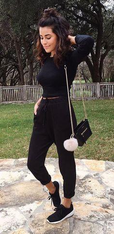 10 produções all black para você usar no fim de semana – Guita Moda. Blusa pr… 10 all black productions for you to wear on the weekend – Guita Moda.