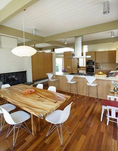 click for matching wood types - ceiling and floor - apt therapy